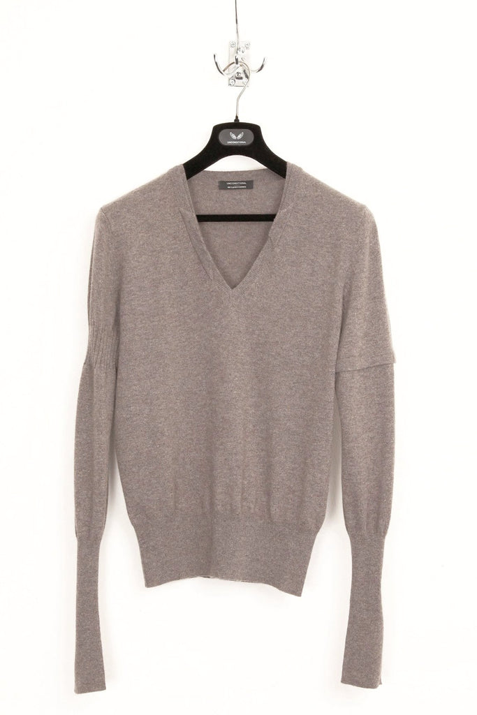 UNCONDITIONAL Bison cashmere V neck sweater with signature neck rib details