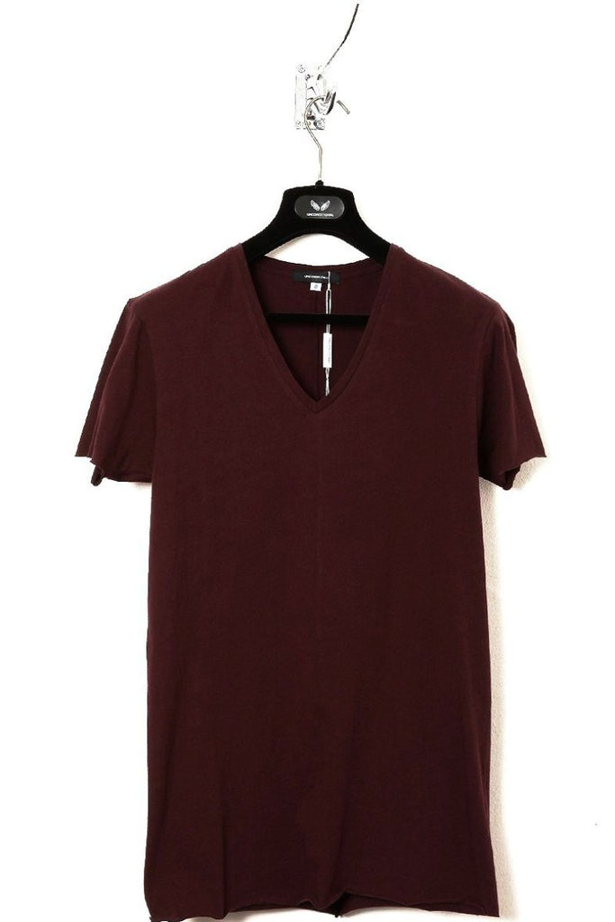 UNCONDITIONAL Burgundy V-neck cotton T with centre back seam & raw cut hems