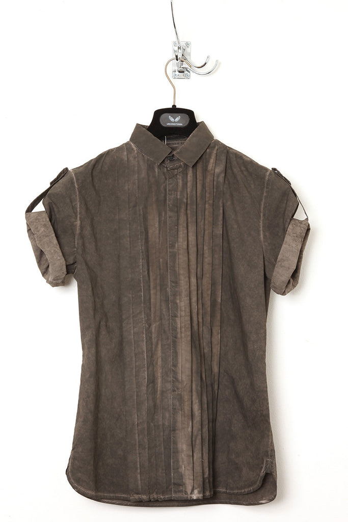 UNCONDITIONAL Military cold dye short sleeved, pleat front baby collar shirt.