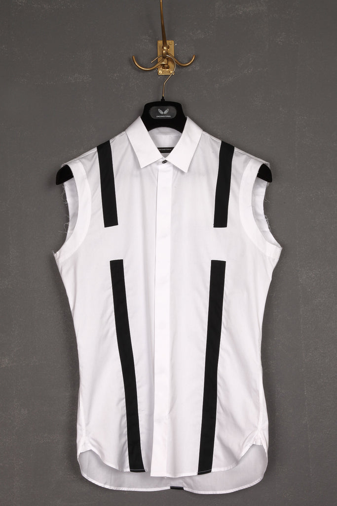 UNCONDITIONAL Signature sleeveless braces shirt in classic white and black