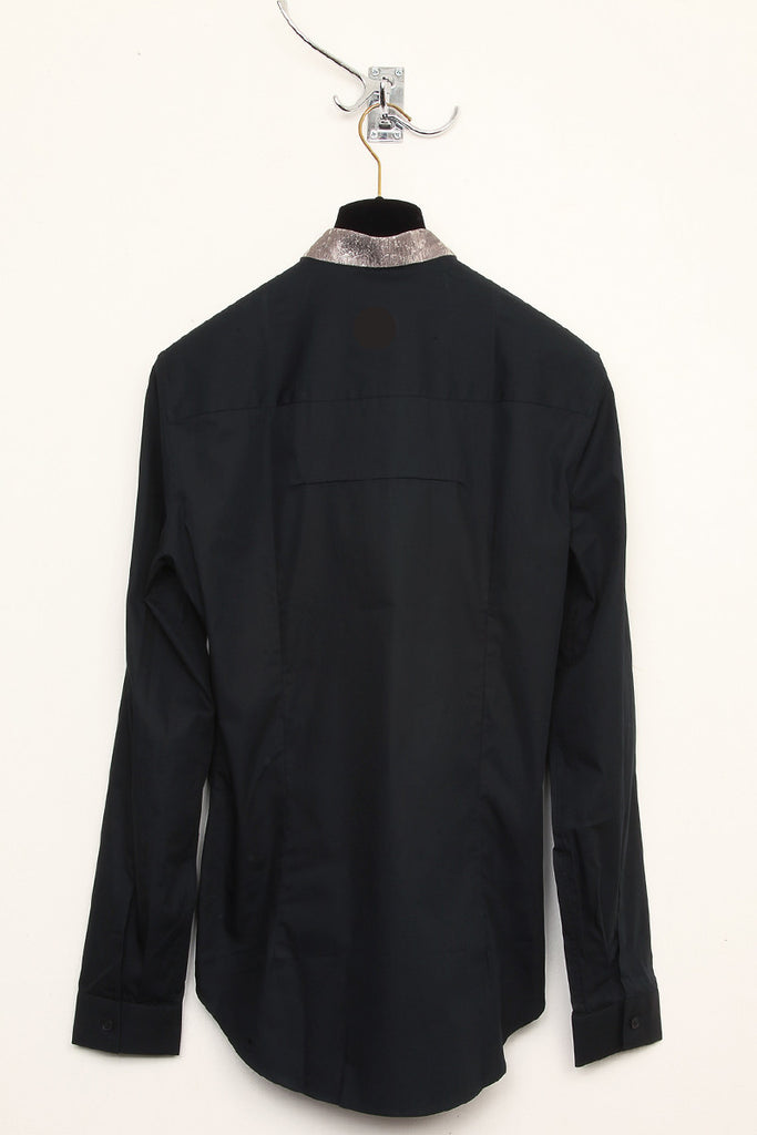 UNCONDITIONAL  Black Italian cotton shirt with metallic jacquard collar.
