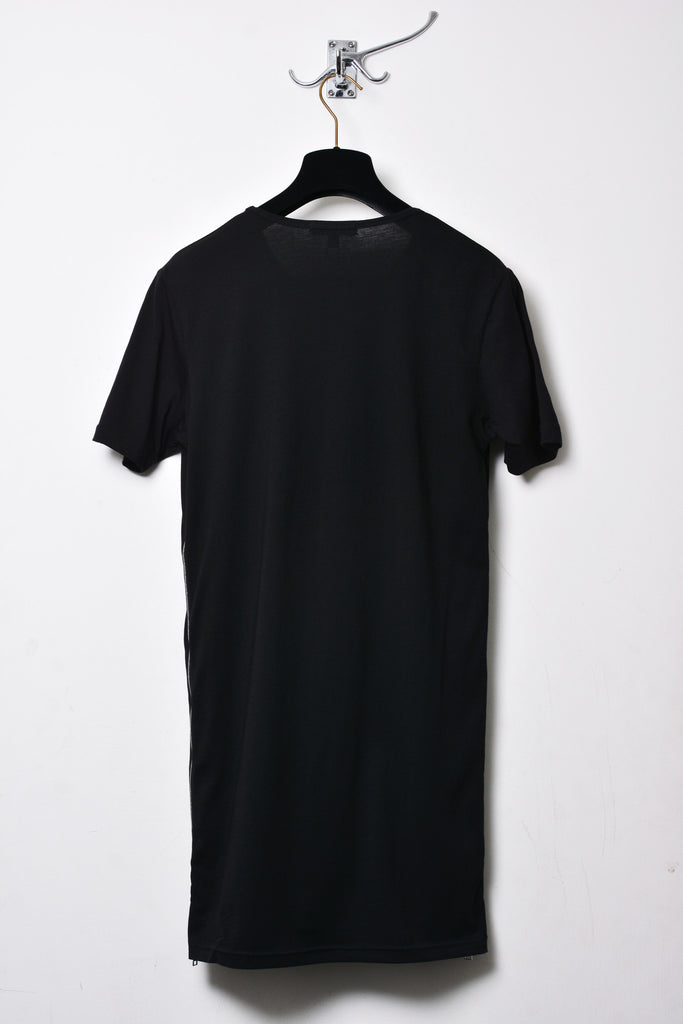 UNCONDITIONAL Black crew neck tee with side zips.