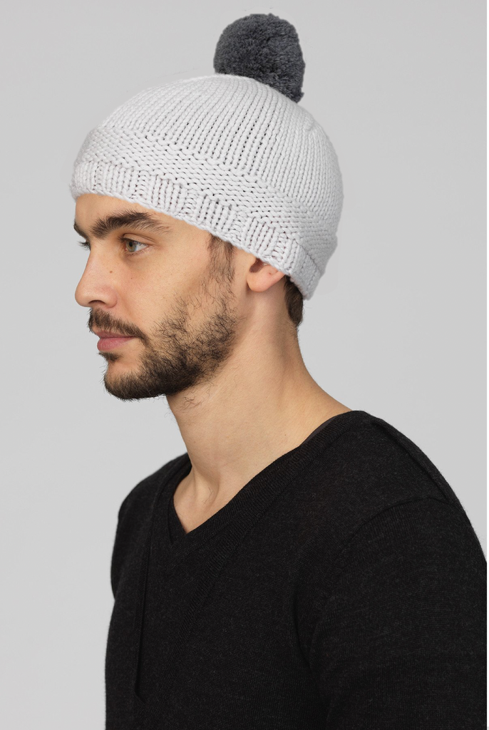 UNCONDITIONAL DIRY WHITE SKULL CAP BEANIE WITH CONTRAST POMPOM