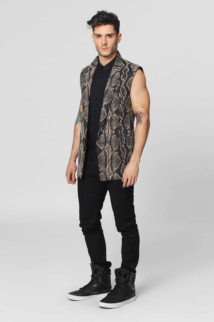 UNCONDITIONAL Sleeveless woven snakeskin in taupe and black jacket