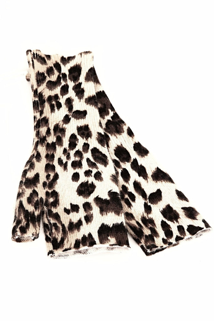 UNCONDITIONAL leopard print pure cashmere short hand warmers.