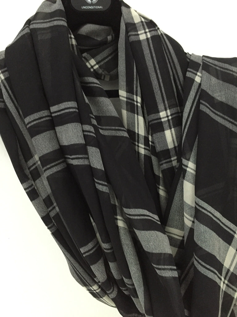 UNCONDITIONAL AW16 Super Long monotone, black and off white, blanket check pure silk scarf