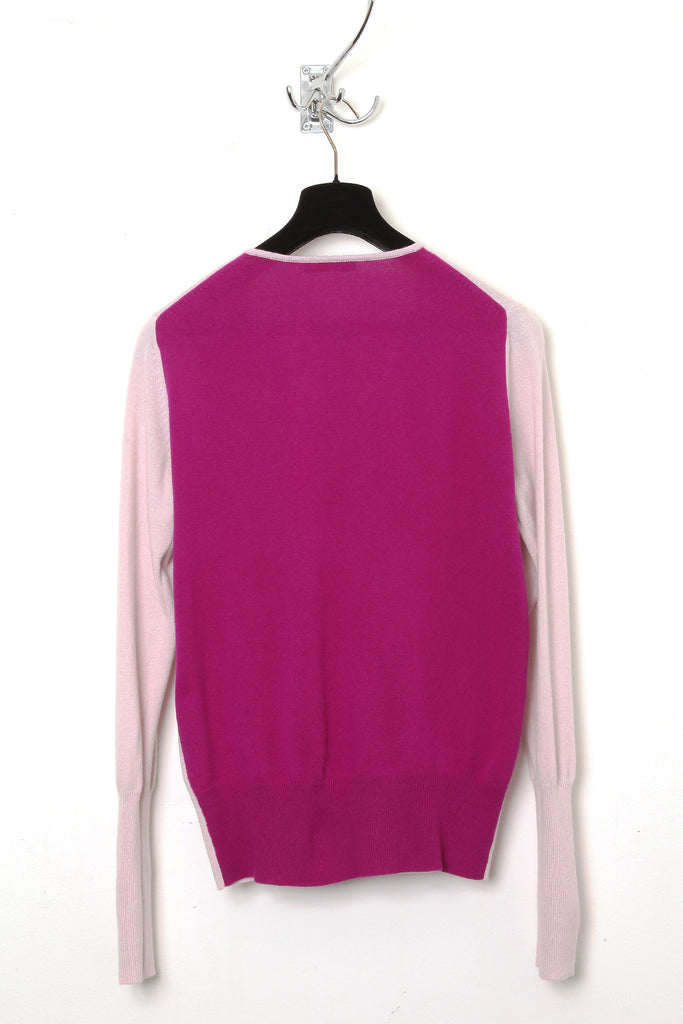 UNCONDITIONAL pink high v-neck pure cashmere jumper. Code : CASHM242A-1