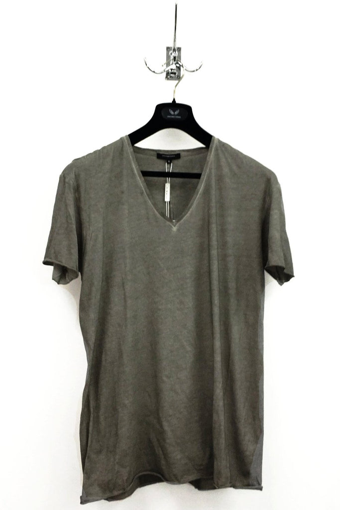 UNCONDITIONAL Sand cold dye V neck tee with centre back seam.