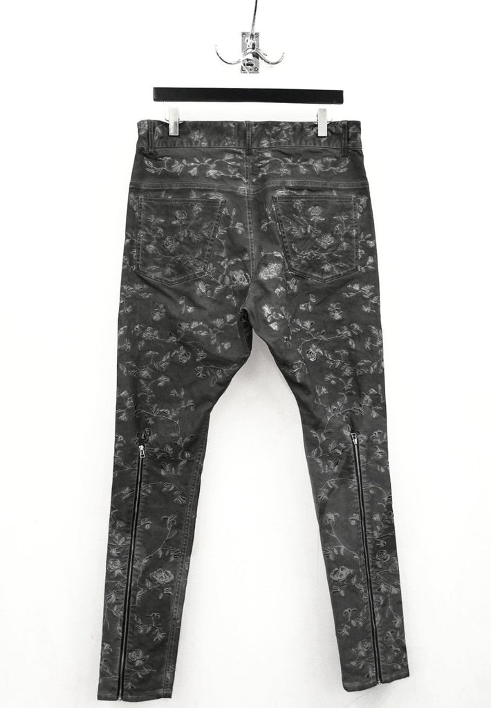 UNCONDITIONAL Floral creeper embroidered, military cold dye jeans back zip jeans