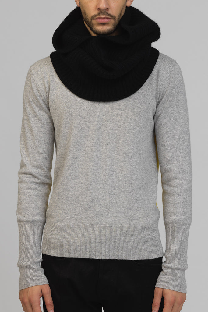 UNCONDITIONAL Black signature cashmere snood in luxurious heavy cashmere rib