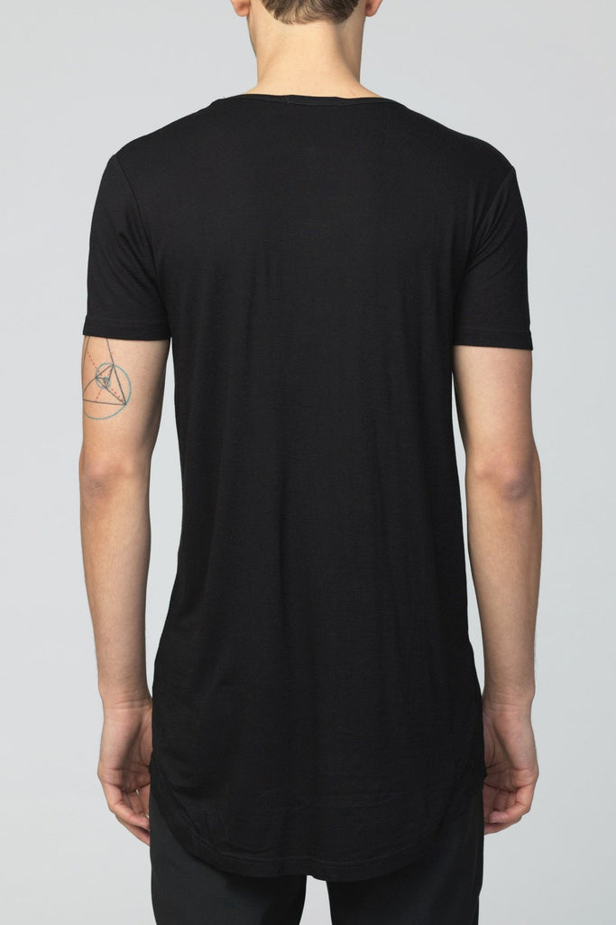 UNCONDITIONAL AW18 Black U-NECK ZIP TAIL T-SHIRT.