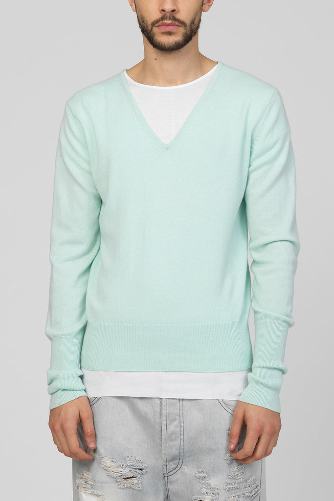 UNCONDITIONAL Mint Green pure cashmere signature 'minimal V-neck'  jumper