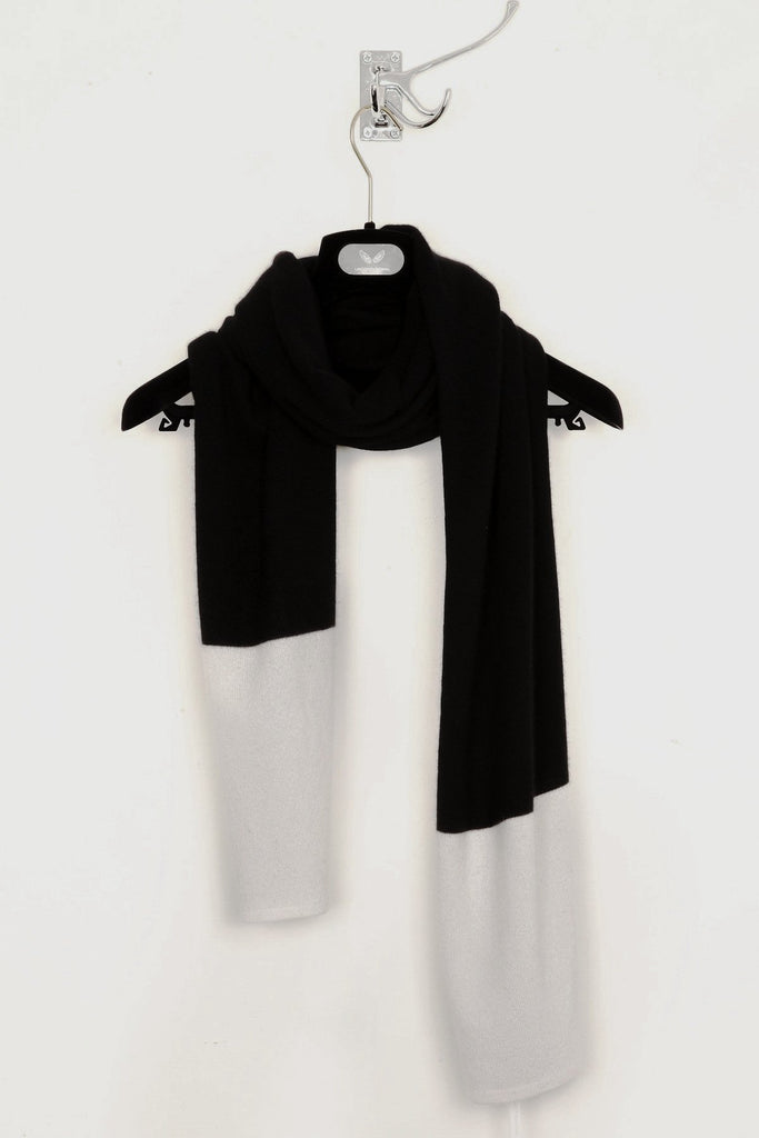 UNCONDITIONAL Black and white Grade A cashmere scarf.