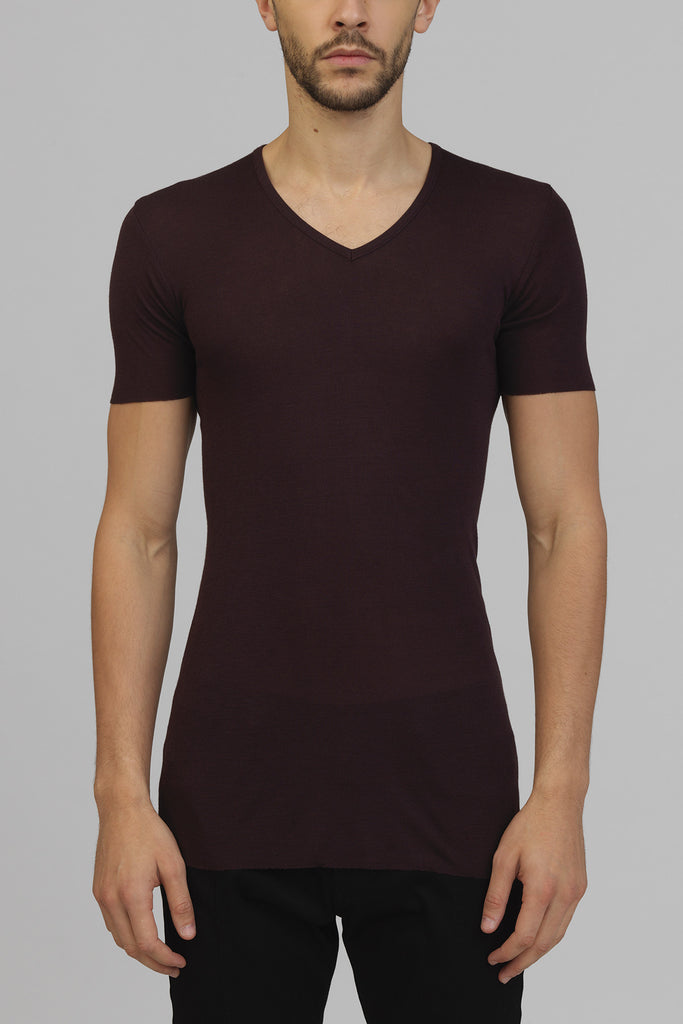 UNCONDITIONAL AW18 Grape ribbed rayon V- neck T-shirt.