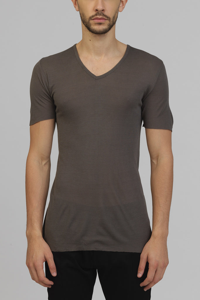 UNCONDITIONAL SS17 Mud ribbed rayon V- neck T-shirt.