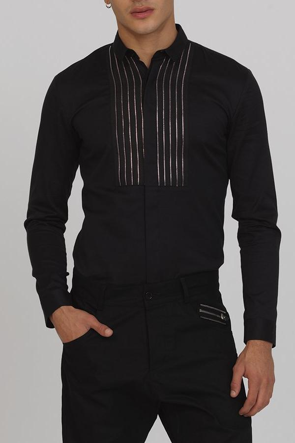 UNCONDITIONAL Black long sleeved,  baby collar shirt with zip applique bib