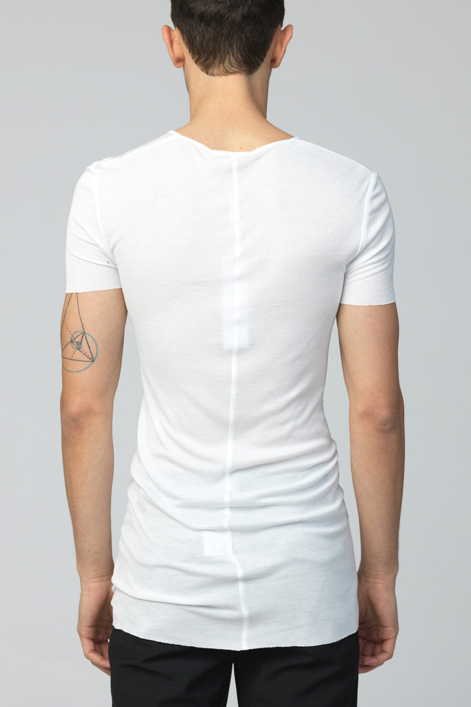UNCONDITIONAL white short sleeve ribbed rayon V neck T-shirt with raw cut hems. R80