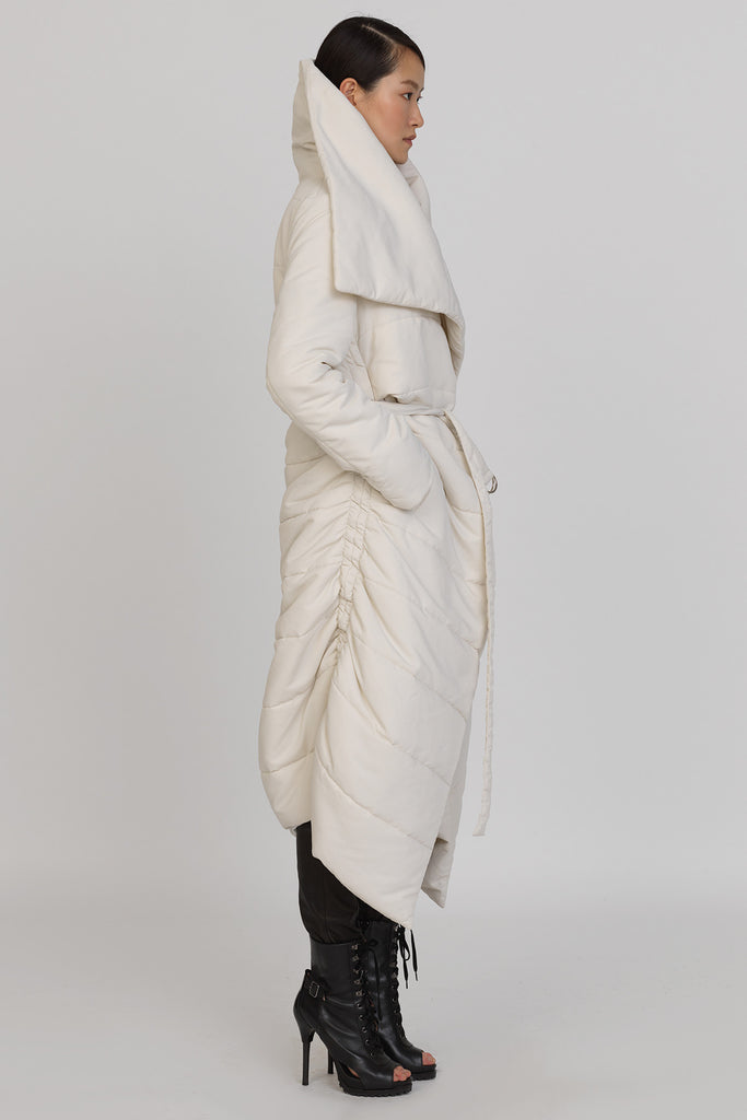 UNCONDITIONAL AW16 showerproof off white ladies sculptural chrysalis cocoon quilted coat