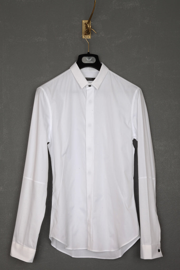 UNCONDITIONAL SS18 white plain and pique shirt with small collar and 1/2 arm.