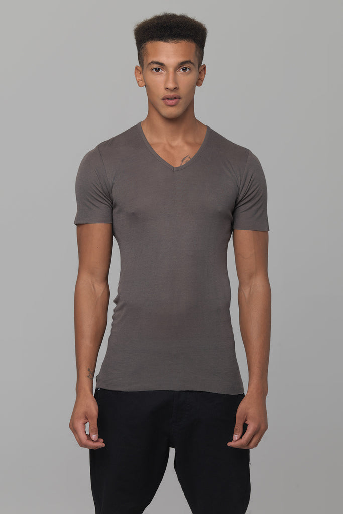 UNCONDITIONAL Tar ribbed rayon V- neck T-shirt.