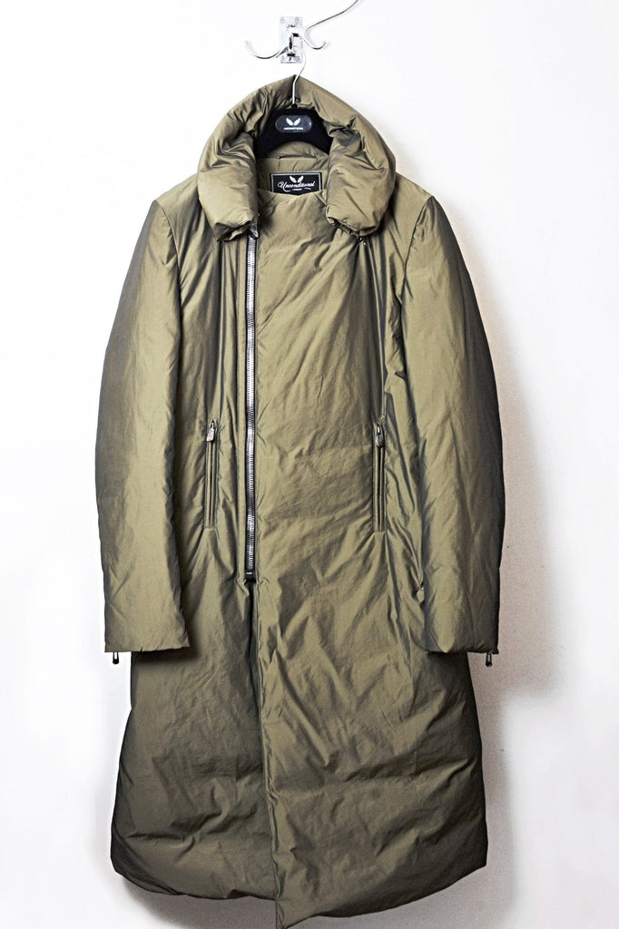 UNCONDITIONAL AW19 Olive long goose down asymmetric hem zip up coat
