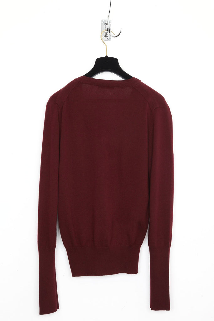 UNCONDITIONAL Merlot Grade A cashmere V neck sweater with signature neck rib details