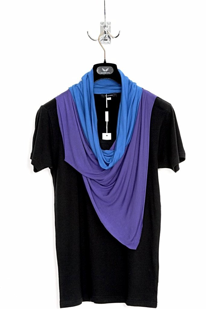 UNCONDITIONAL double drape neckerchief T in black and electric blue.