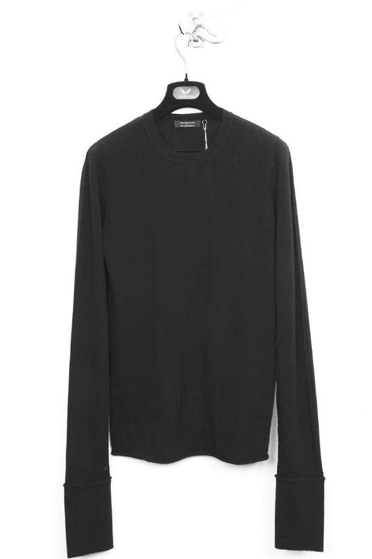 UNCONDITIONAL black cashmere extra long sleeves jumper with external seams.