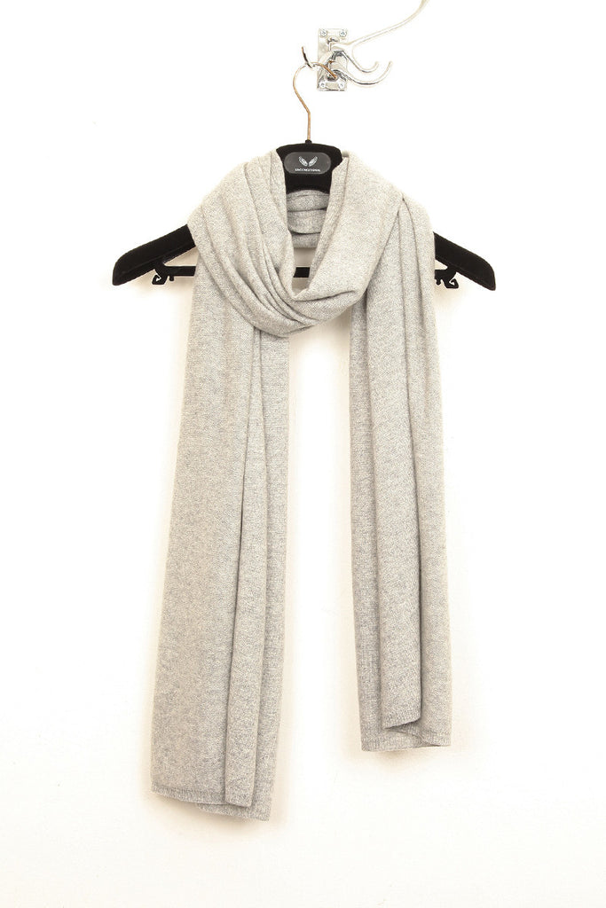UNCONDITIONAL flannel cashmere scarf.
