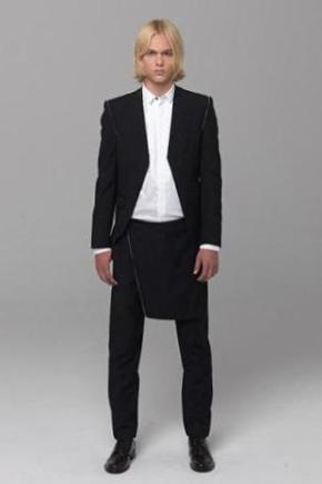 UNCONDITIONAL BLACK TAILORED CUTAWAY BLAZER WITH ZIP TRIM.