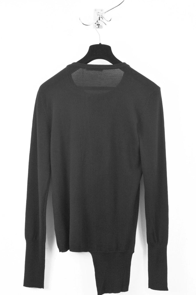 UNCONDITIONAL ANTHRA CREW NECK JUMPER WITH ASYMMETRIC FIN.