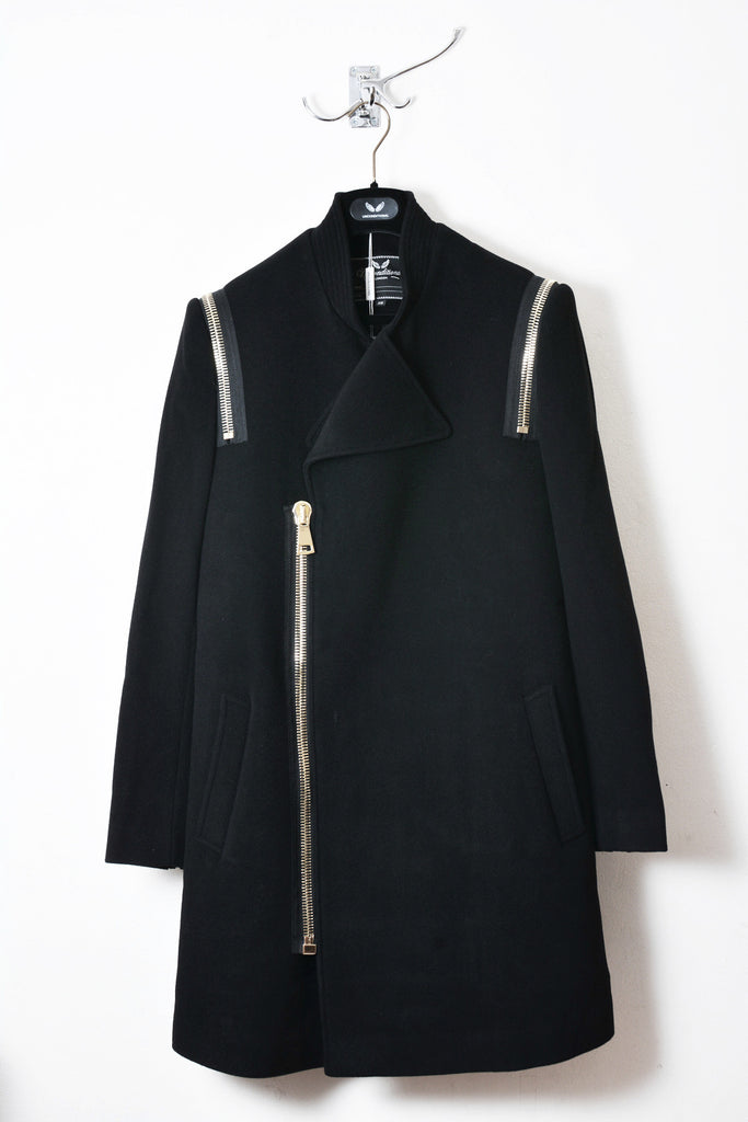 UNCONDITIONAL BLACK PURE NEW WOOL 3/4 COAT WITH GOLD ZIP DETAILING