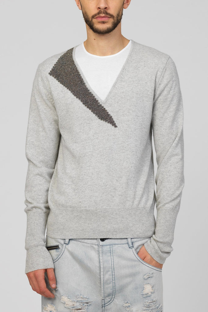 UNCONDITIONAL Flannel V-neck cashmere sweater with a pewter hand beaded shard