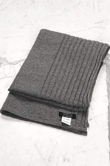 UNCONDITIONAL AW18 Slate grey grade A cashmere rib scarf.