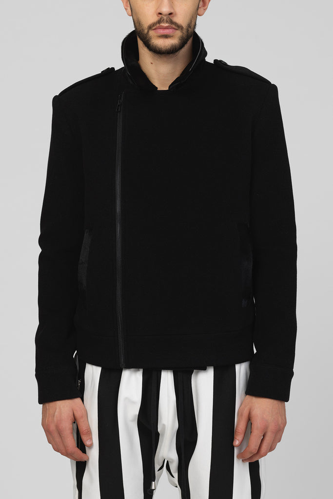 UNCONDITIONAL BLACK ZIP UP JACKET WITH CALF SKIN COLLAR AND POCKETS.