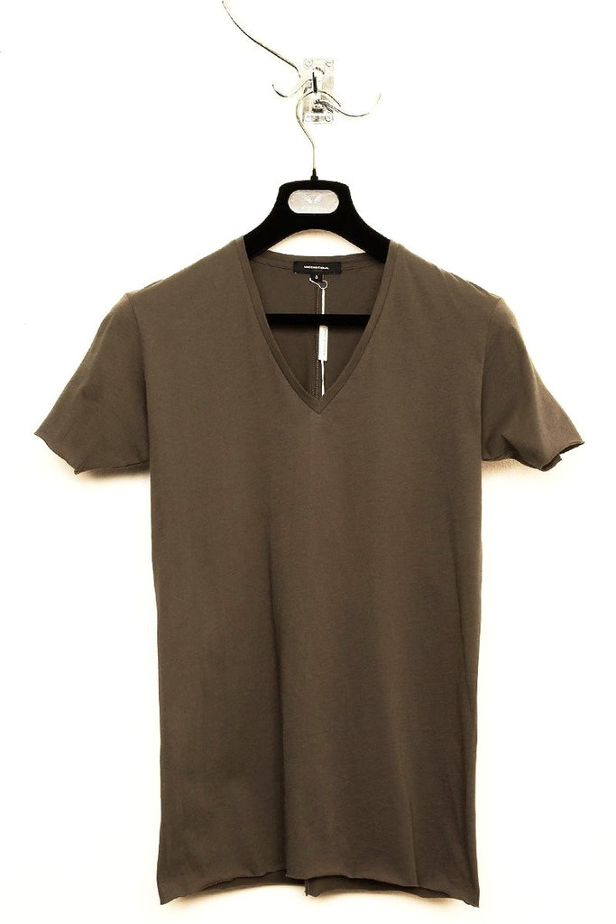 UNCONDITIONAL Taupe V-neck tee with centre back seam.