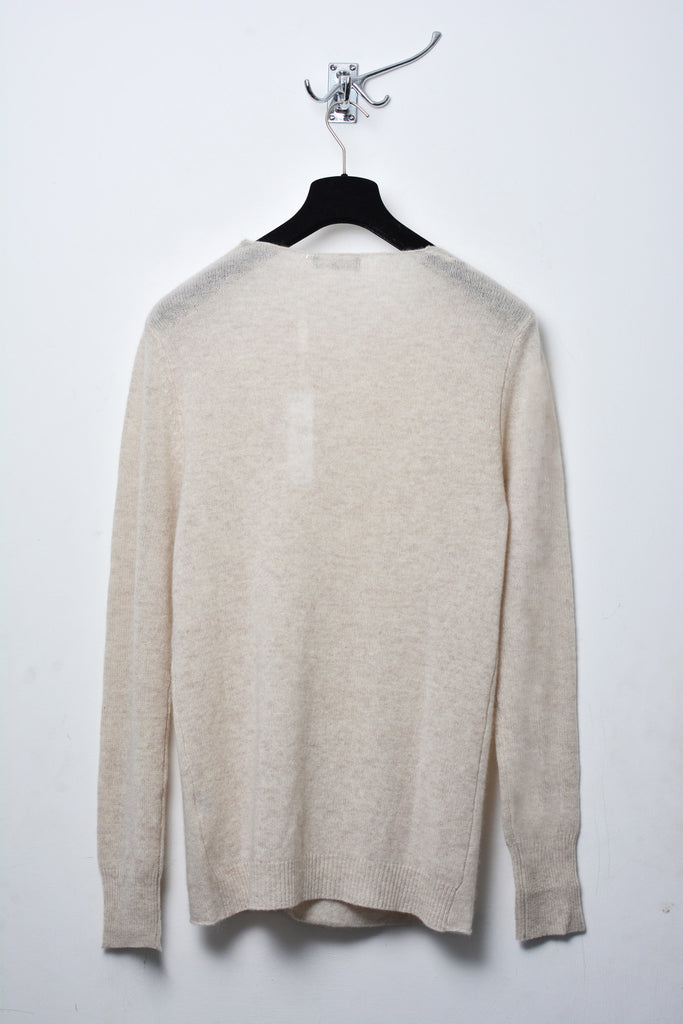 UNCONDITIONAL Chlorophyl loose knit cashmere crew neck jumper with back hem rib.