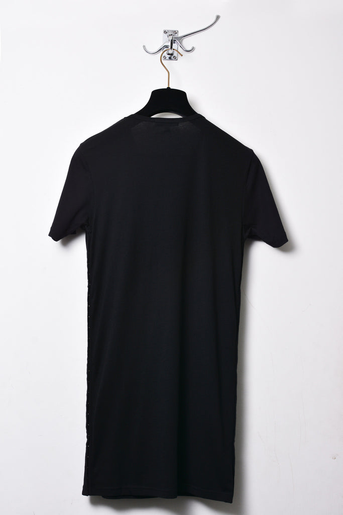 UNCONDITIONAL Black crew neck tee with side poppers tape openings.