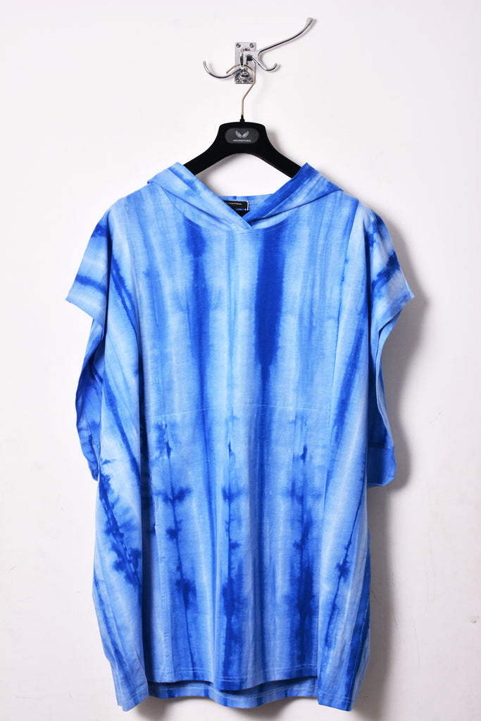 UNCONDITIONAL blue spray striped hooded tunic.