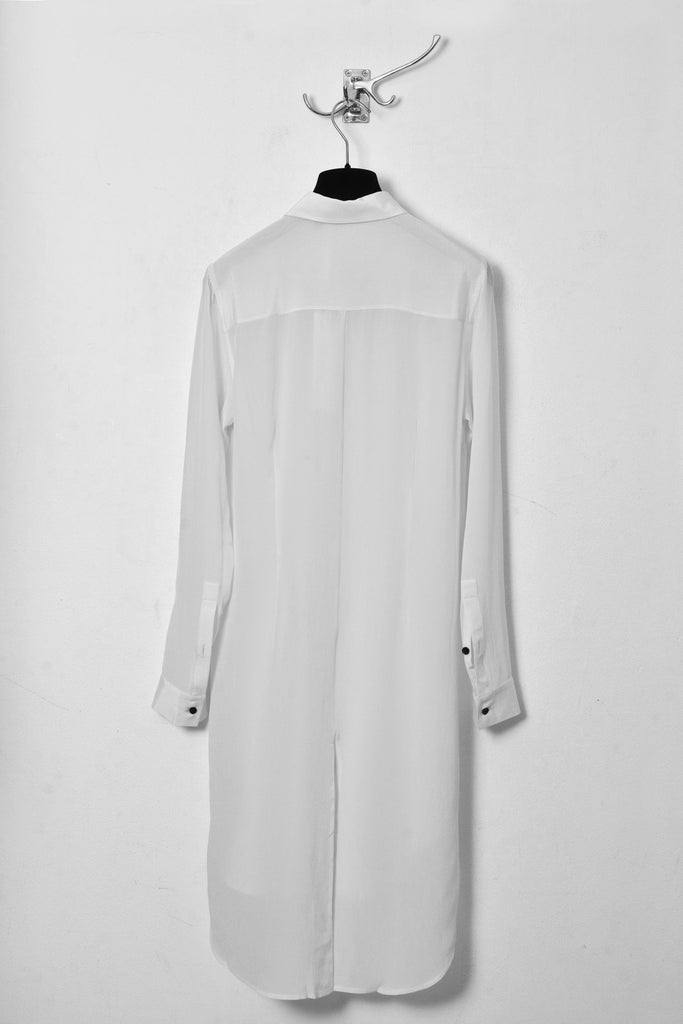 UNCONDITIONAL SS18 Optical White silk crepe long shirt with split tail.