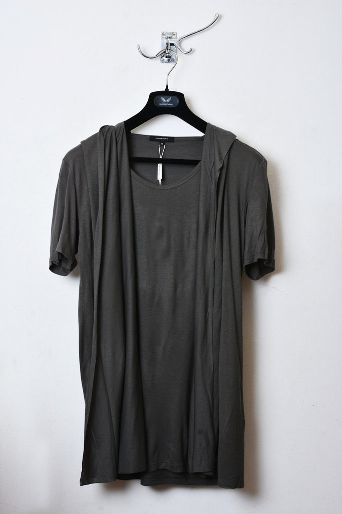 UNCONDITIONAL Military cold dye rayon hooded, cape , drape waistcoat T-shirt.