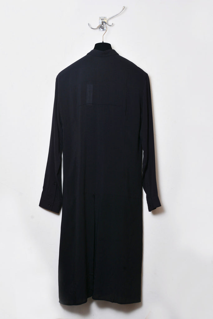 UNCONDITIONAL Long black shirt with centre back tail split in light tencel shirting