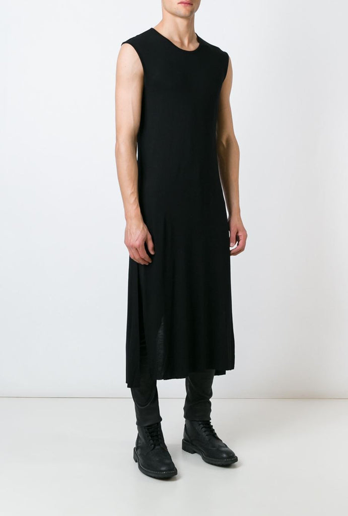 UNCONDITIONAL AW18 | SS19 Black sleeveless long tail T-shirt with side splits