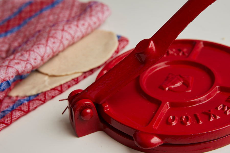 Tortilla Press Kit - Red Cast Iron with Servilleta