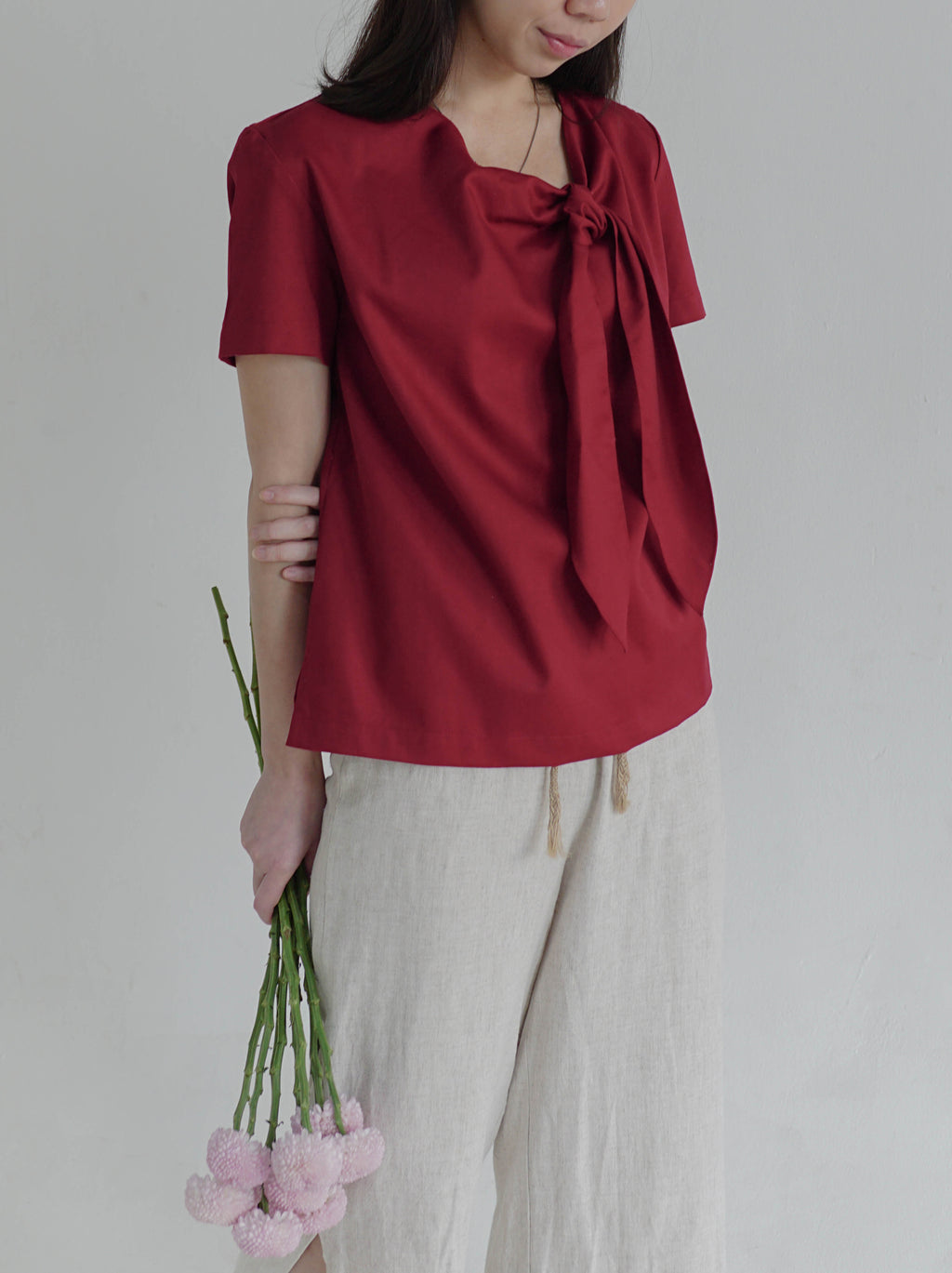 Short Sleeved Top with Tied Neck (Red)