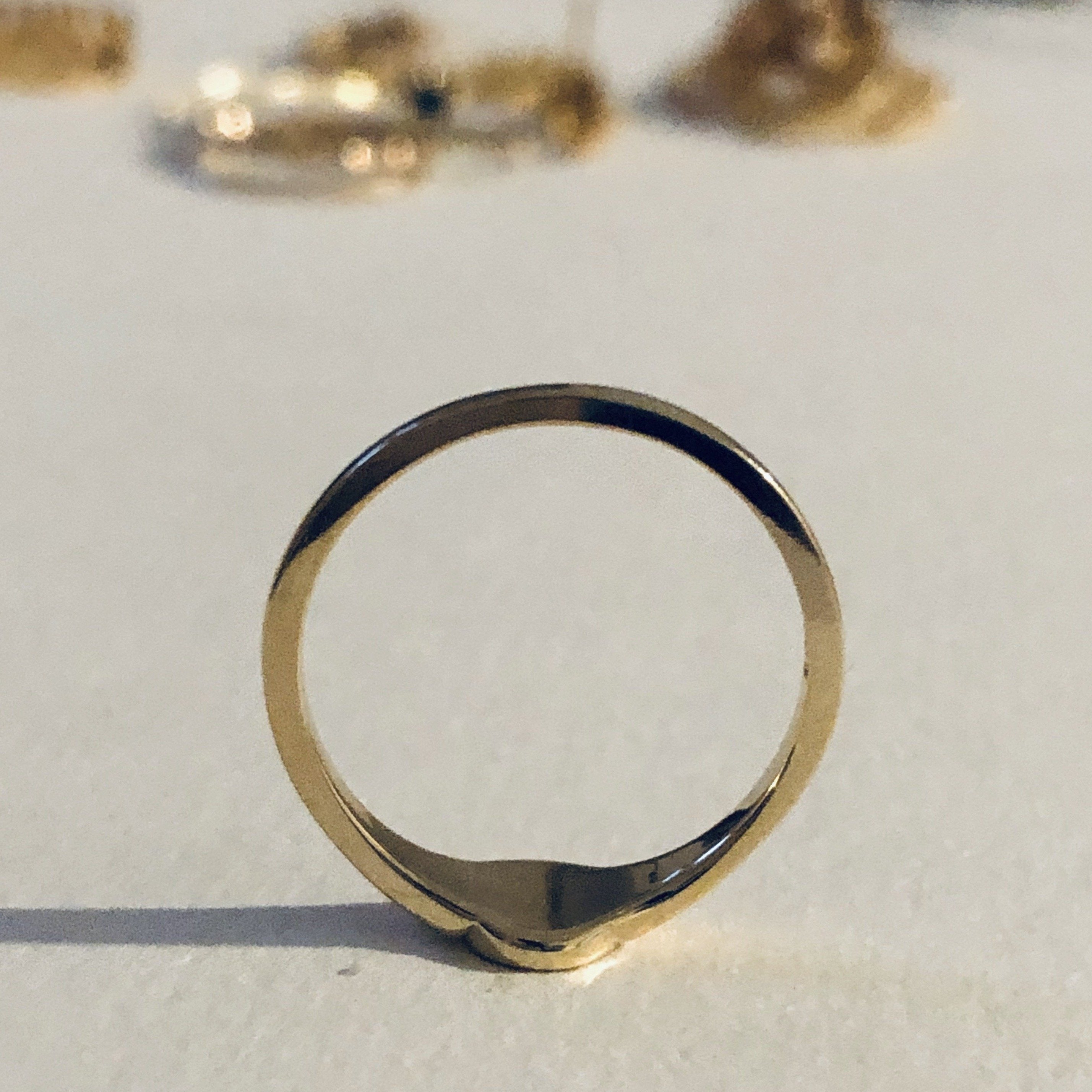 Grace Petite Signet Ring in Gold - IRIS 1956