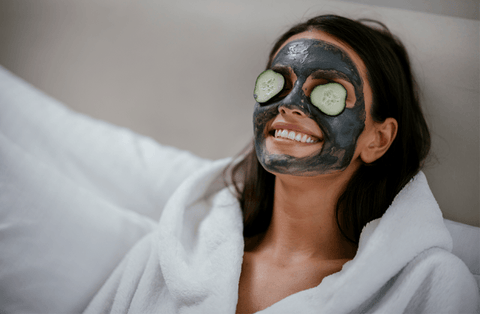 Activated carbon mask against pimples