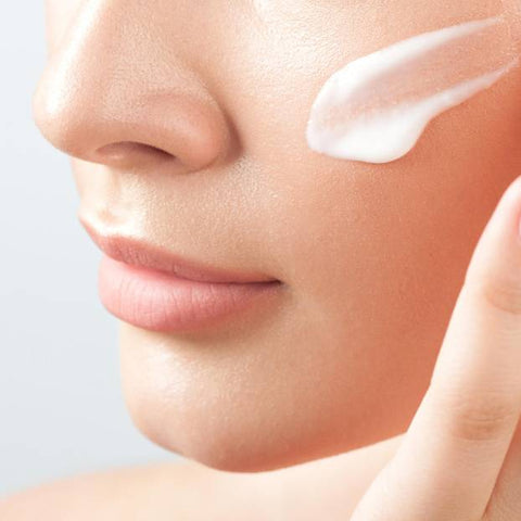 Apply anti-aging cream correctly