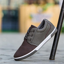 Load image into Gallery viewer, Breathable color matching low cut casual skate shoes