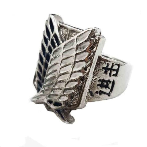 Bague Attack on Titan